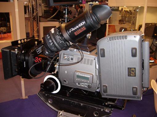 broadcast08.jpg